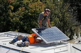 美加州规定盖新房必须安太阳能板