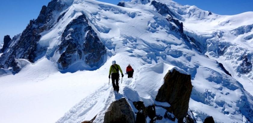 为保护生物多样性法 政府将限制攀登勃朗峰游客数