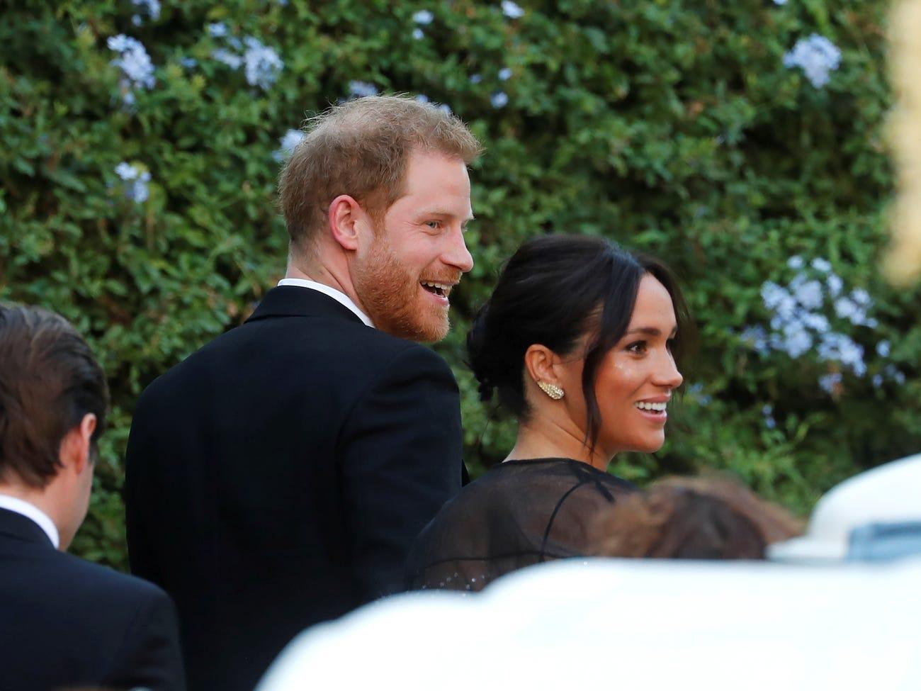 英国王子哈里和妻子梅根即将搬到美国,他们的安保资金由谁支付?