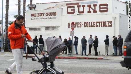 FBI数据显示:3月份枪支背景调查比去年同期增长41%