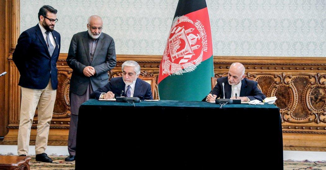 阿富汗总统与竞争对手17日签署权利共享协议,结束长达数月的政治纷争