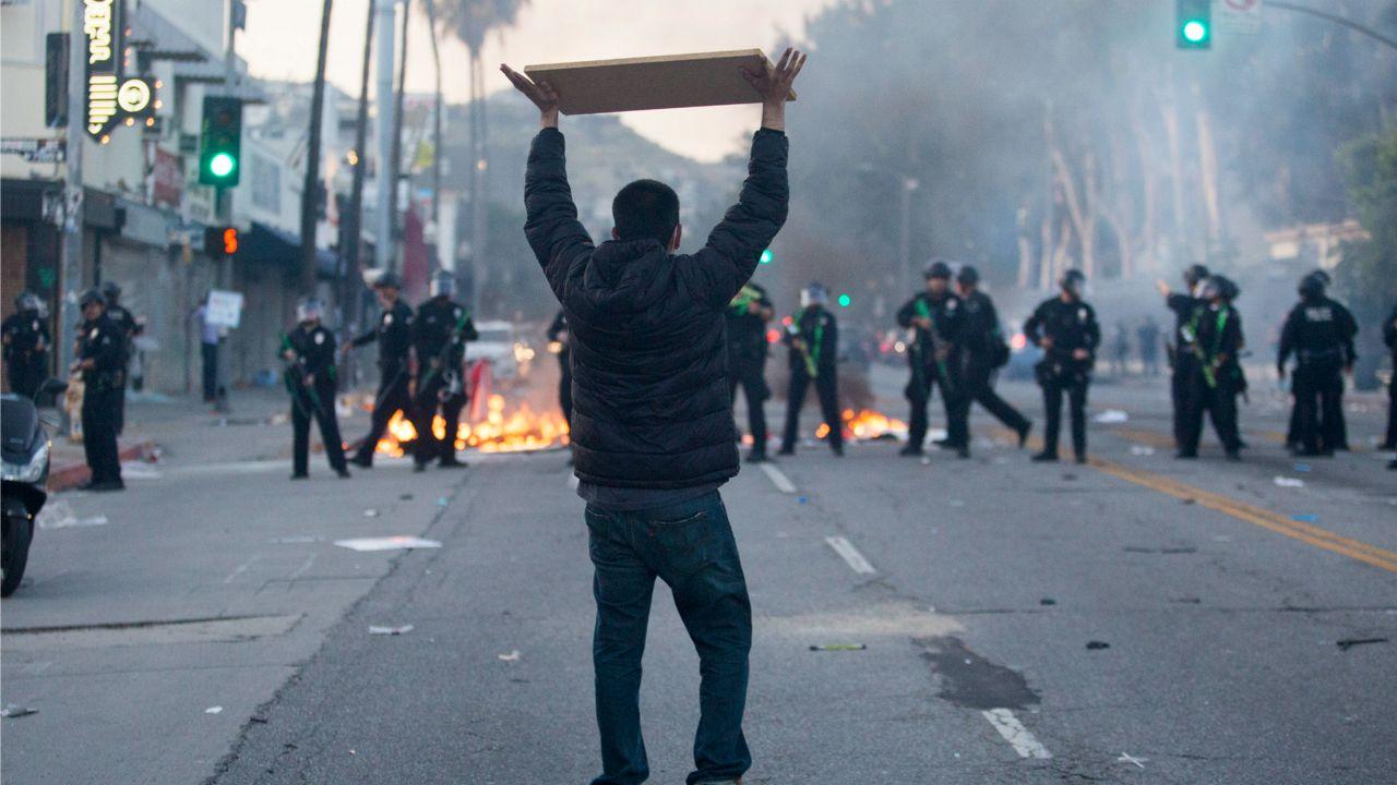 洛杉矶为因游行暴乱影响的企业和私人非营利组织提供灾害援助贷款