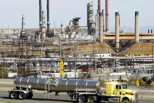 加州逐步淘汰使用化石燃料卡车