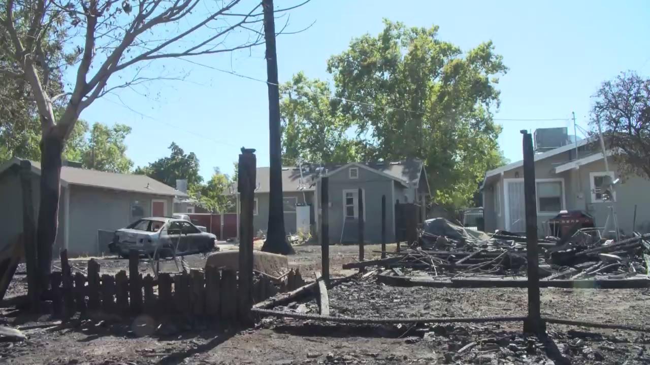 洛杉矶县国庆日非法烟花燃放导致数十起火灾