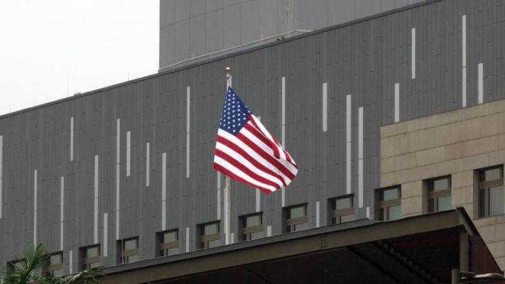 中国要求美国关闭驻成都总领事馆