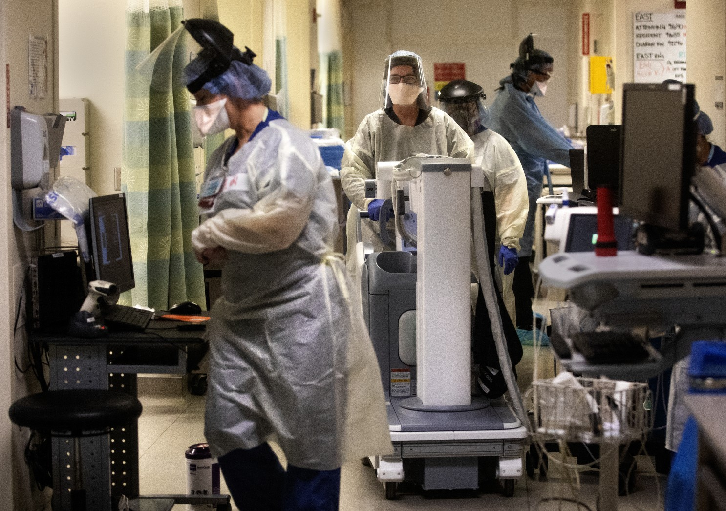 美国国防部派遣空军医疗队前往支援洛杉矶县新冠疫情
