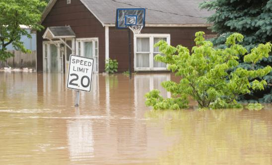 热带风暴伊萨亚斯袭击波多黎各,造成大面积洪水与山体滑坡