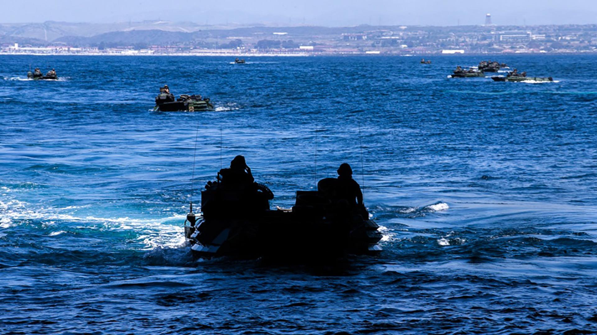 南加州海岸发生海军水路两栖车事故,1死8失踪