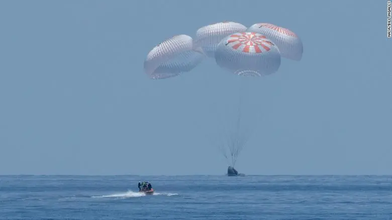 SpaceX飞船及NASA宇航员安全返回地球 完成历史性飞行