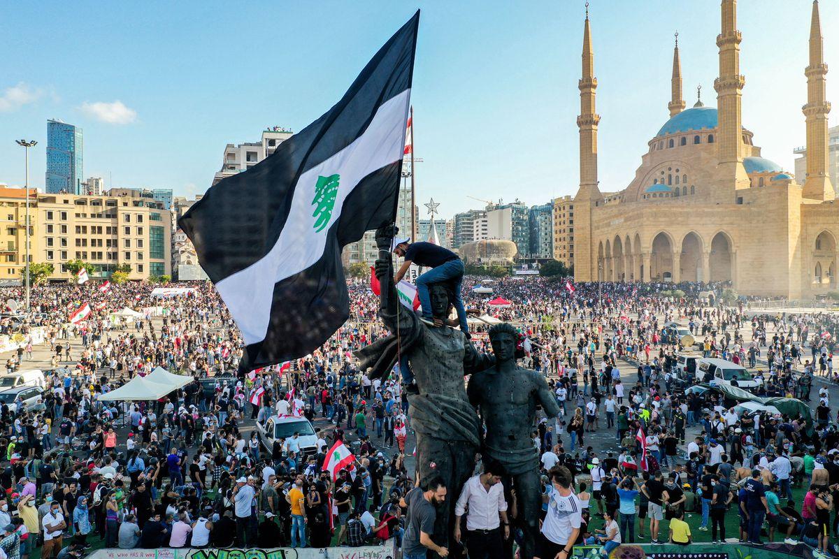 黎巴嫩贝鲁特港区爆炸引发民众抗议