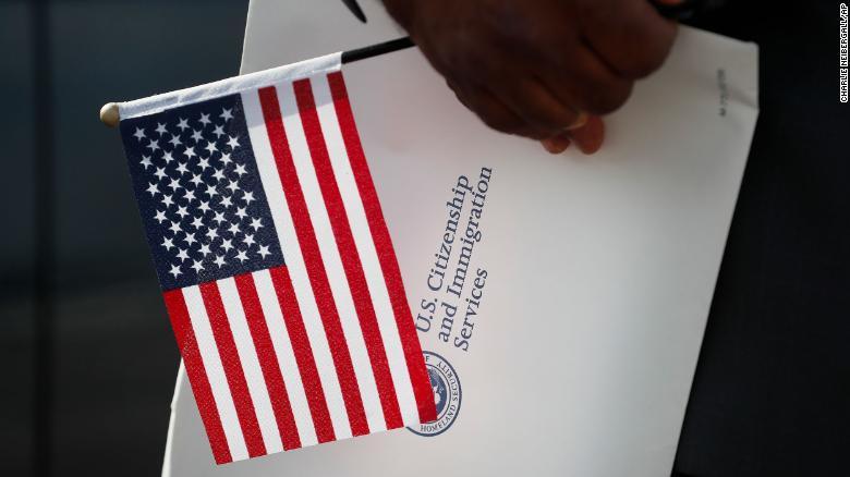 半年内超5800人放弃美国国籍,创历史新高!