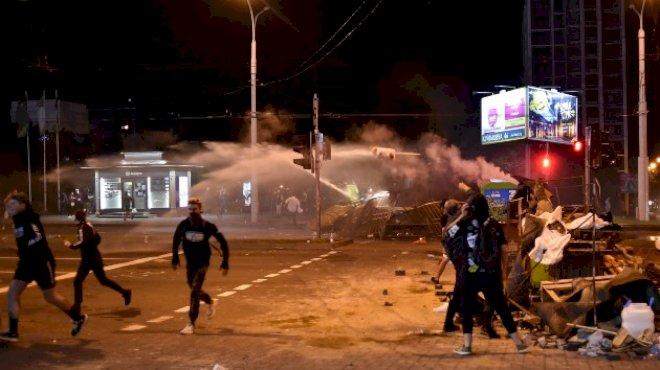 白俄罗斯因总统大选发生连日暴乱,过去4天警方逮捕了6700多人