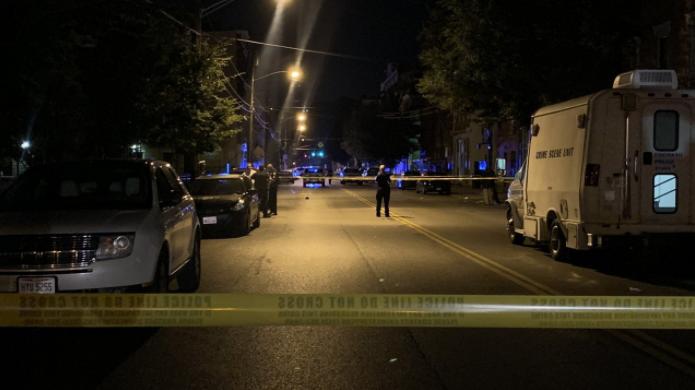 美枪支暴力案持续上升 周末多地爆枪击案致9死