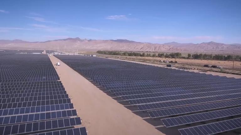 加州太阳能发电受山火影响产能降低80%