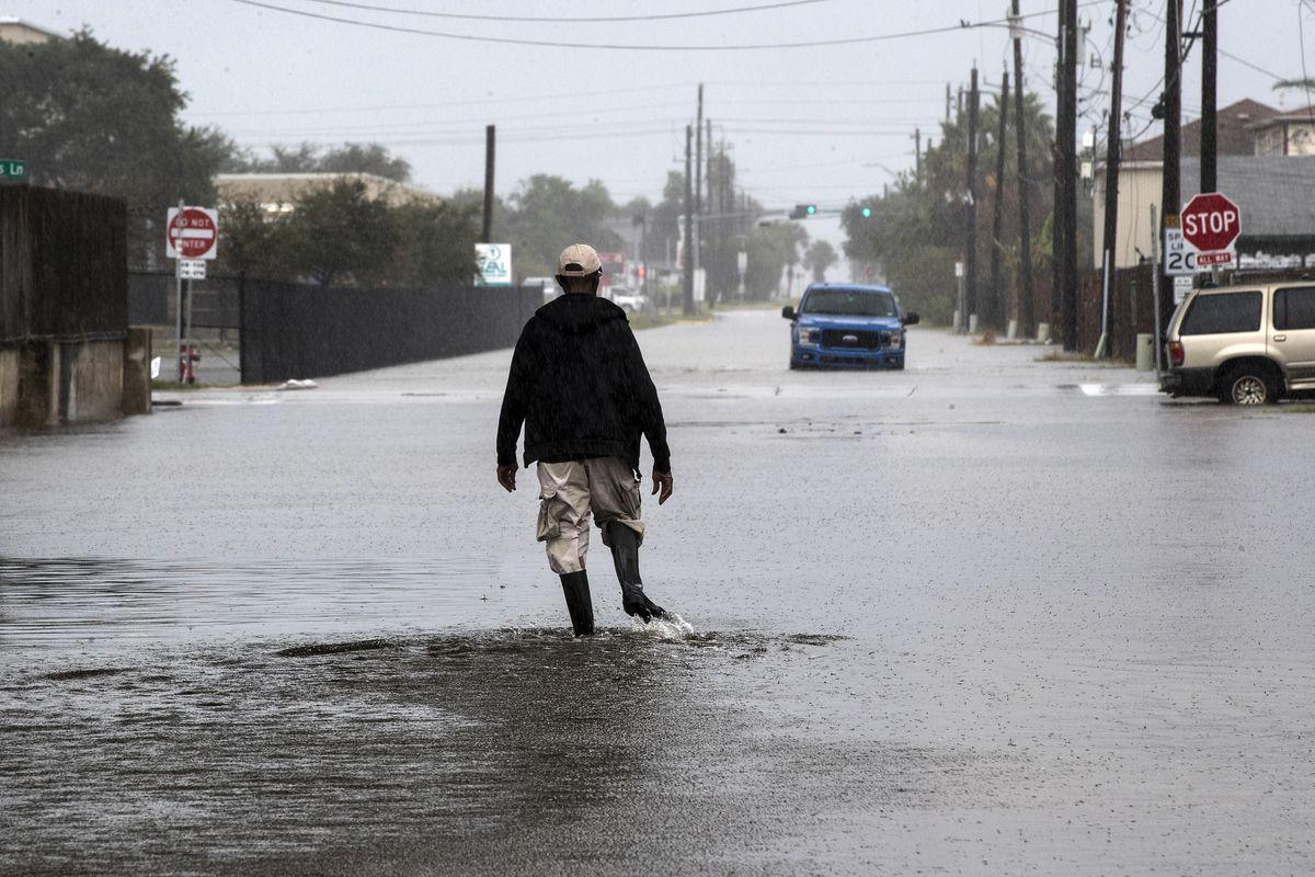 """热带风暴""""贝塔""""肆虐得州,为美国今年第九个风暴,创下百年历史"""