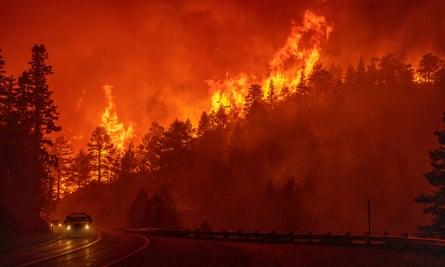 山猫野火延烧面积已比一个丹佛市还大