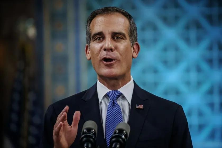 洛杉矶市长发布中文简报 致力保障居民健康安全