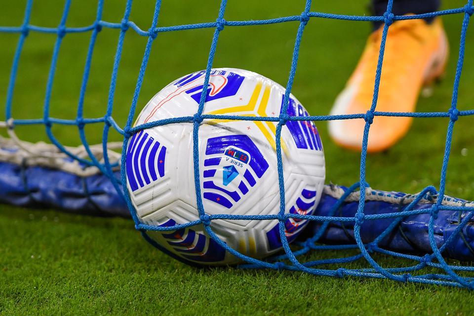 意大利热那亚足球俱乐部11名球员和3名工作人员新冠检测呈阳性