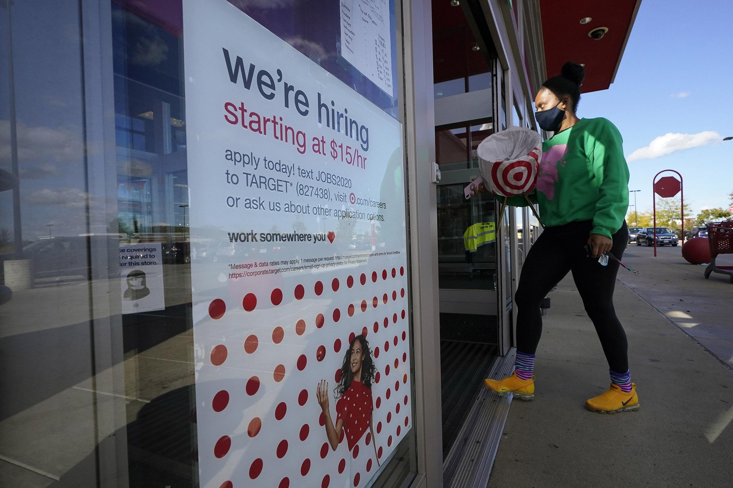 美国上周首次申请失业救济人数达84万人,环比减少9,000人