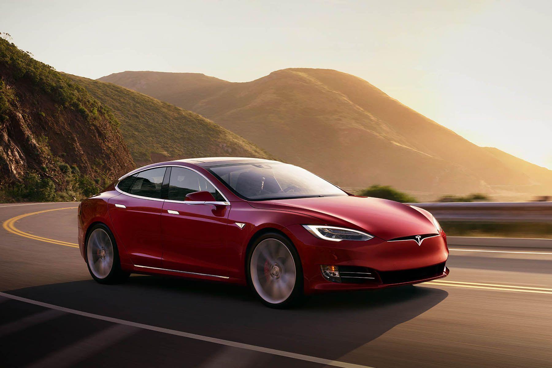 马斯克称特斯拉Model S的起售价降至69,420美元