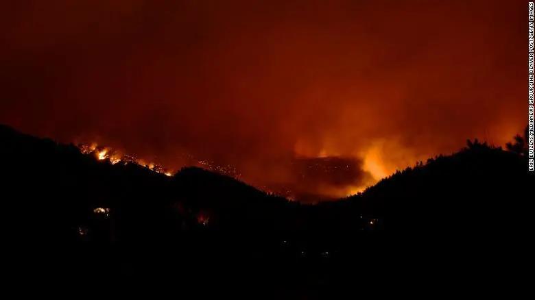 科罗拉多州史上最大野火!至少26栋房屋被毁
