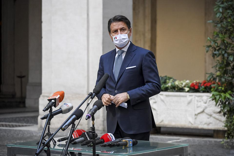 意大利政府为遏止第二波疫情实施新的禁令