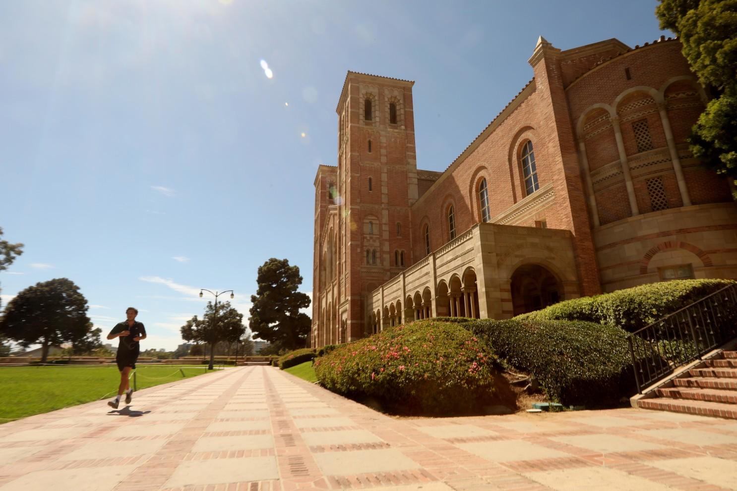 UCLA明年春季期将持续线上教学
