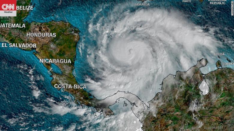 5级飓风艾奥塔将在中美洲登陆,预计带来灾难性的大风、风暴潮和暴雨