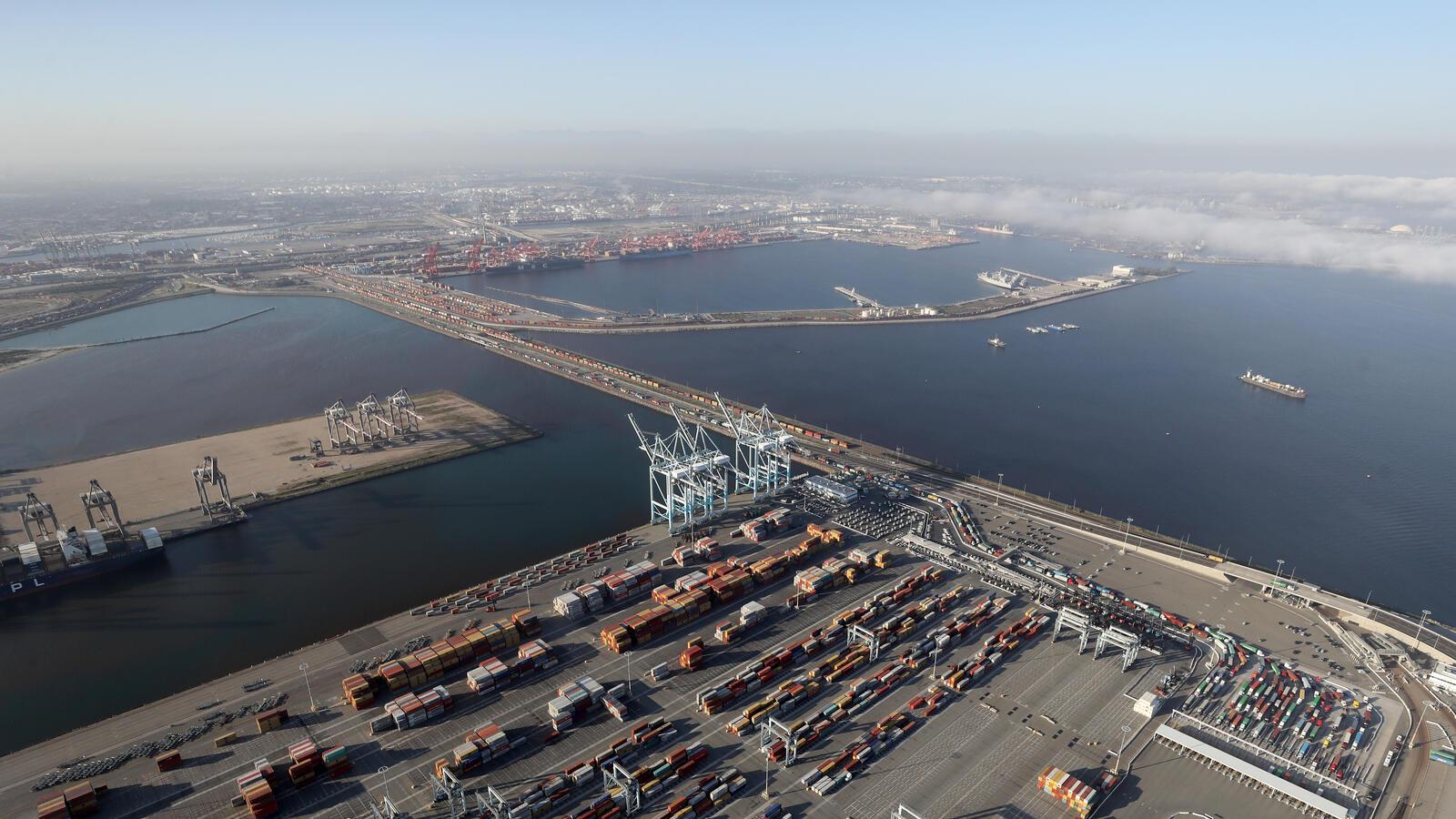 洛杉矶港10月货运量较去年同期增长27.3%