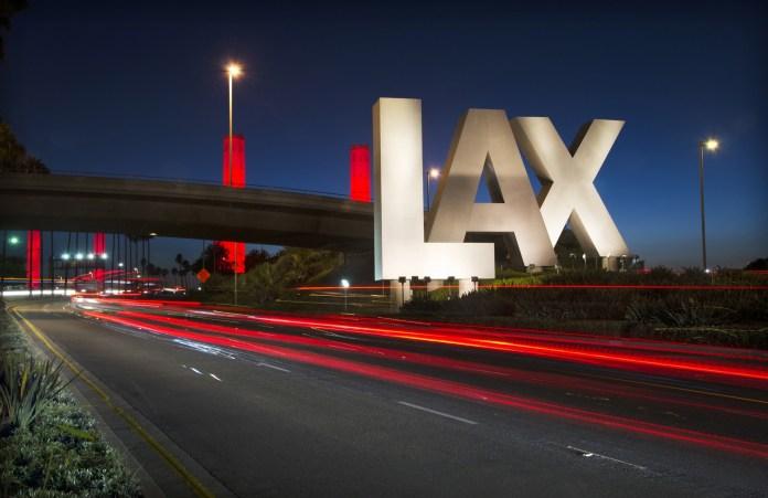 洛杉矶国际机场首创虚拟现实360°游览体验