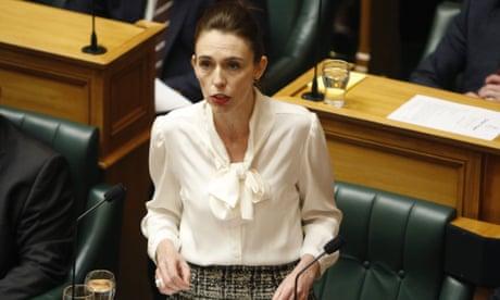 """新西兰总理宣布国家进入""""气候紧急状态"""""""