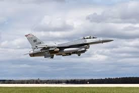 威斯康辛州一架空军国民兵用F-16战机在密西根州坠毁
