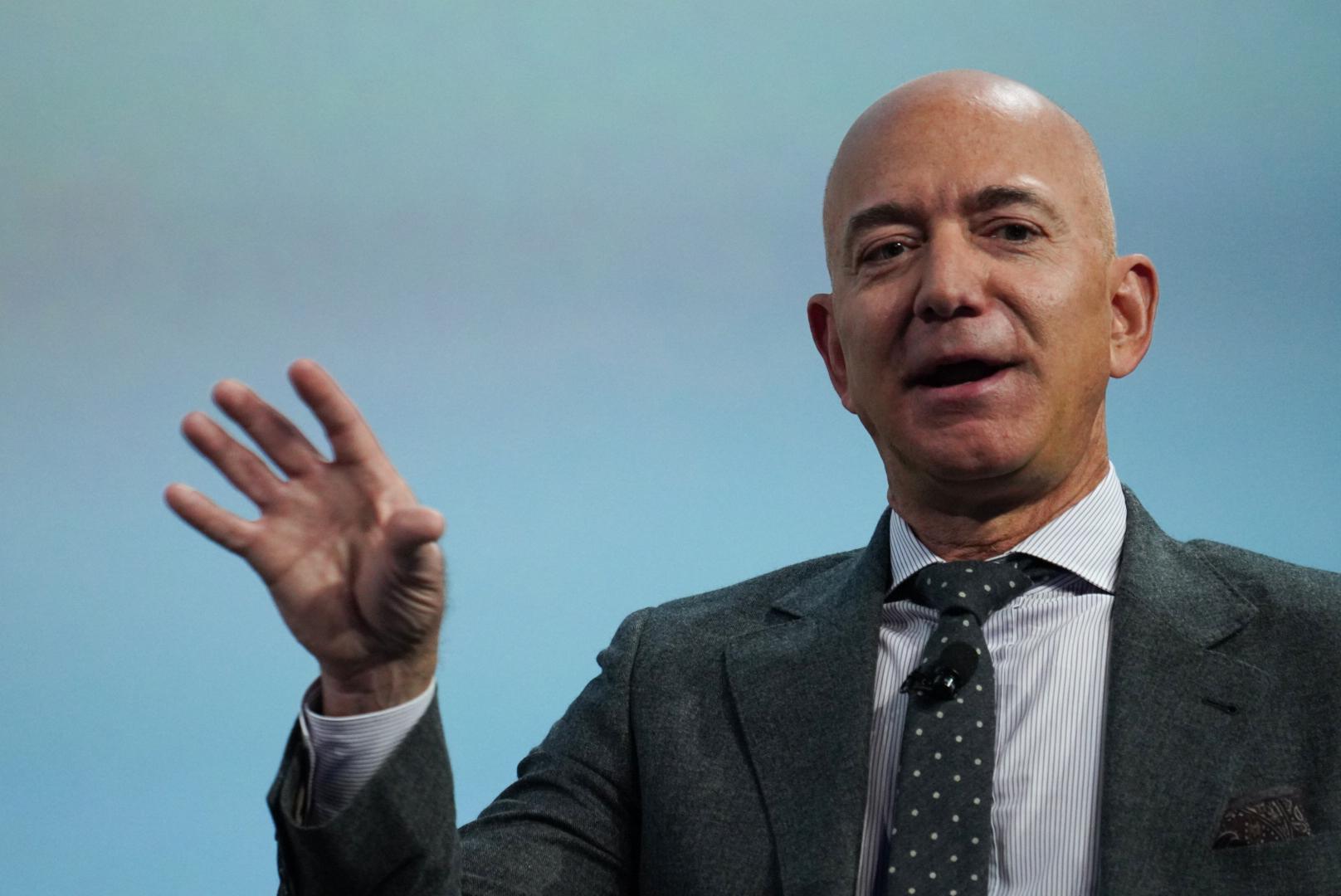 杰夫·贝佐斯将卸任亚马逊首席执行官,出任执行董事长