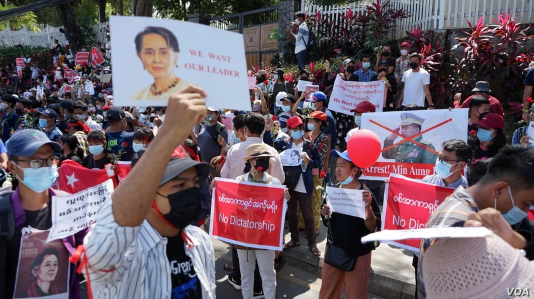 拜登将对发动政变的缅甸军事领导人实施制裁