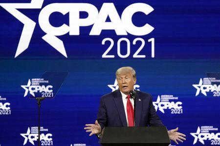 """特朗普出席""""保守政治行动会议""""年度会议"""