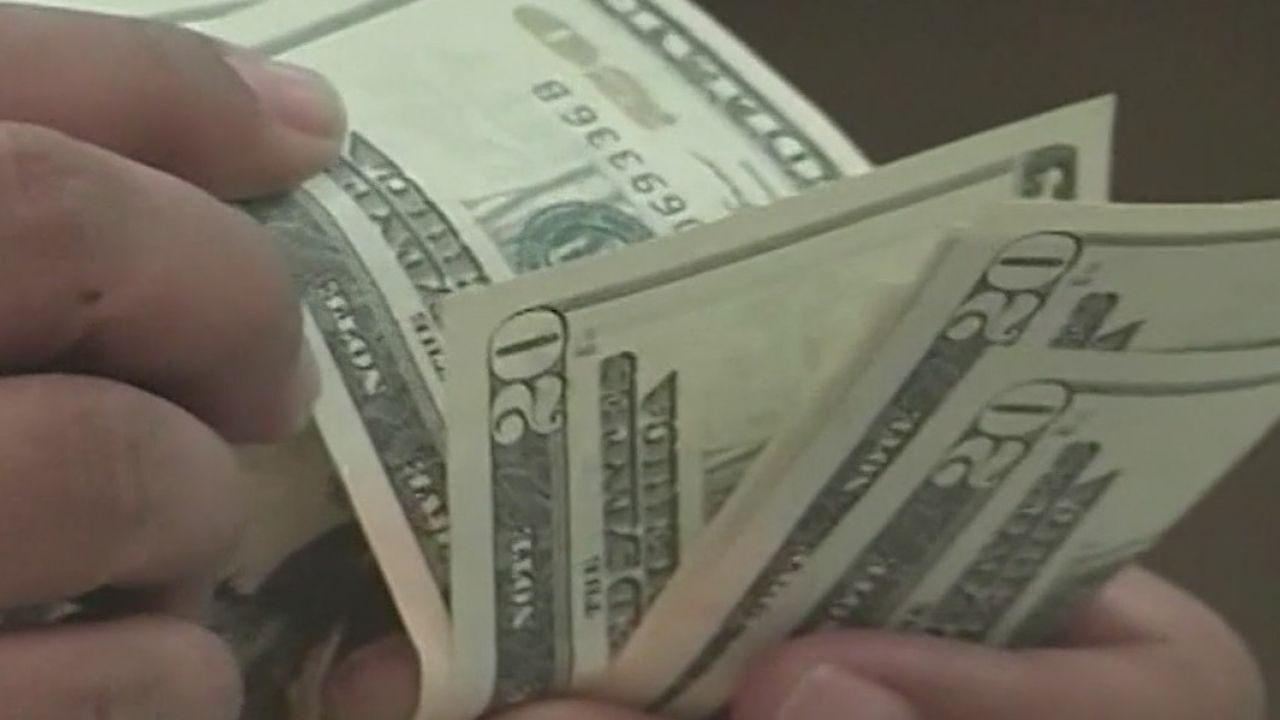 洛杉矶市本财年末预计亏损5.5亿美元