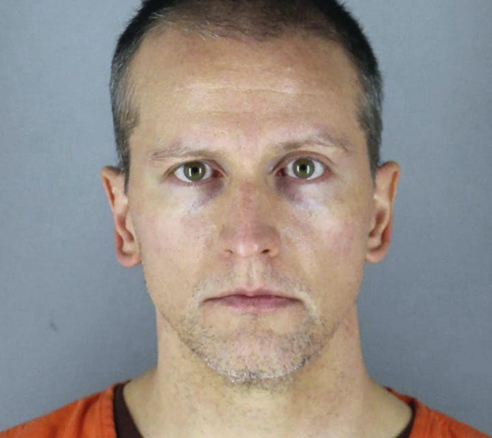 法官恢复对弗洛伊德案涉事警察肖万的三级谋杀指控