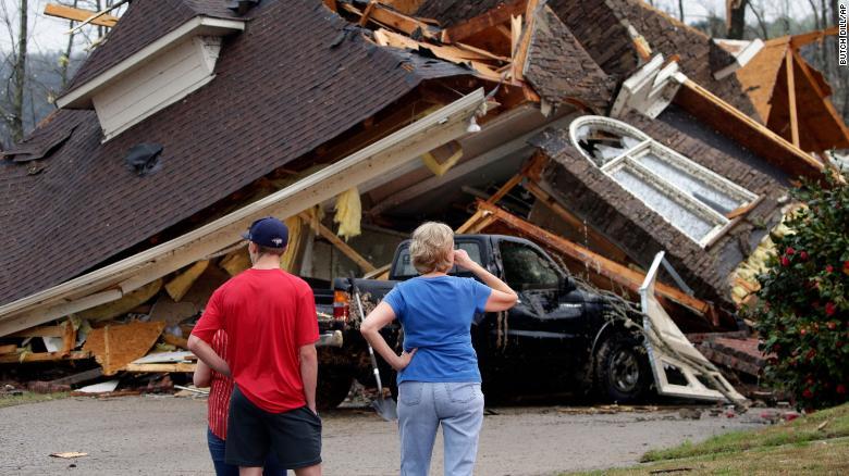 突发!阿拉巴马州遭遇致命龙卷风 已有5人死亡