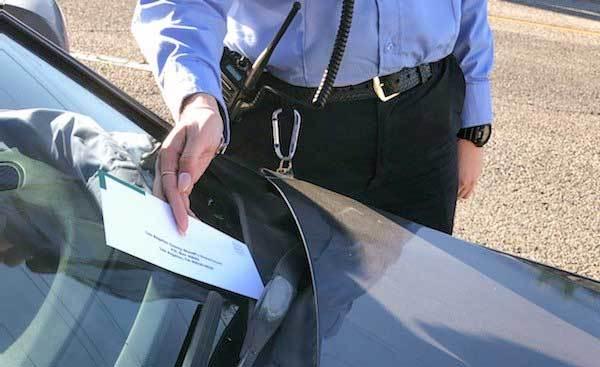 洛杉矶县4月1日恢复违章停车执法行为