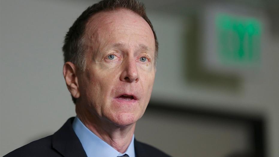 洛杉矶学区负责人伯特纳宣布合同到期后辞职