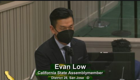 """加州议会通过""""全民基本收入""""AB-65法案,符合资格者每月将获1000美元保障"""