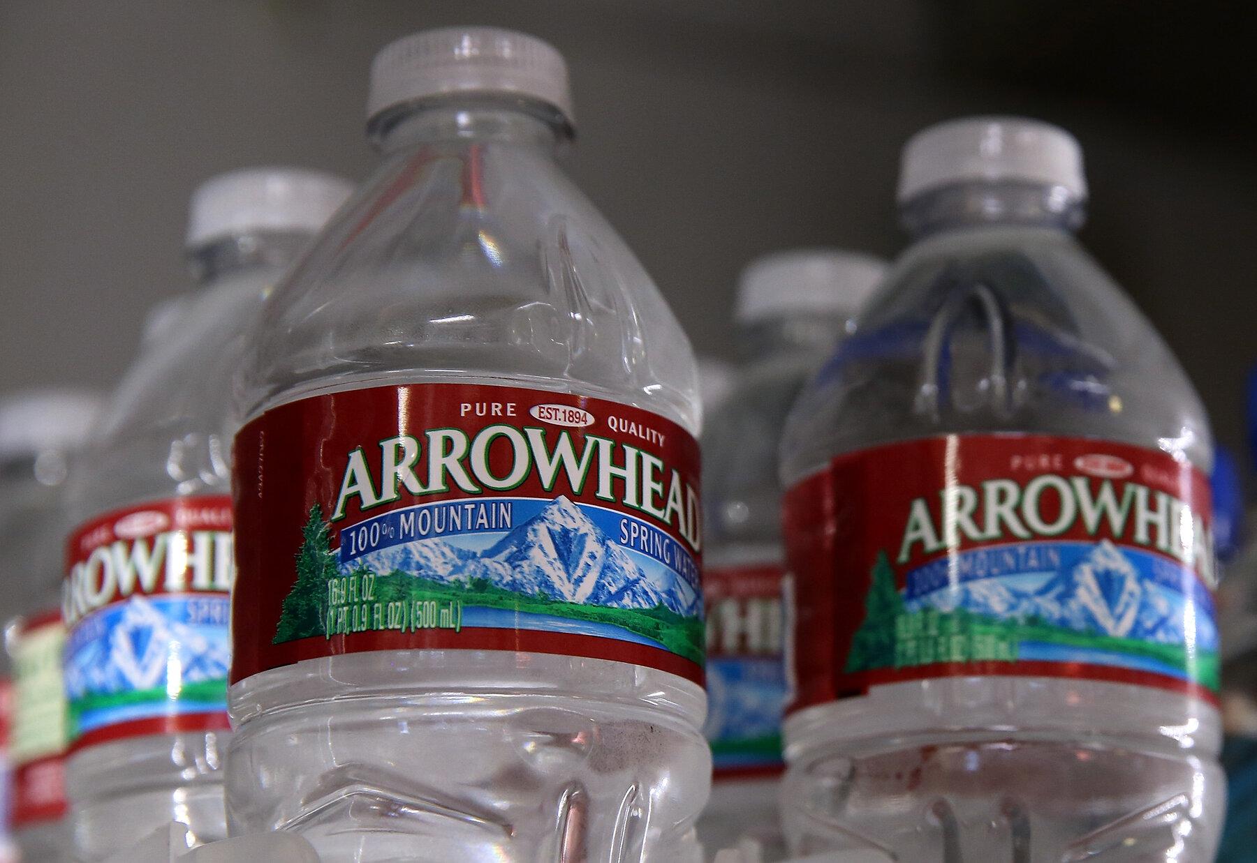 加州面临水资源短缺,官员指责瓶装水公司调水过度