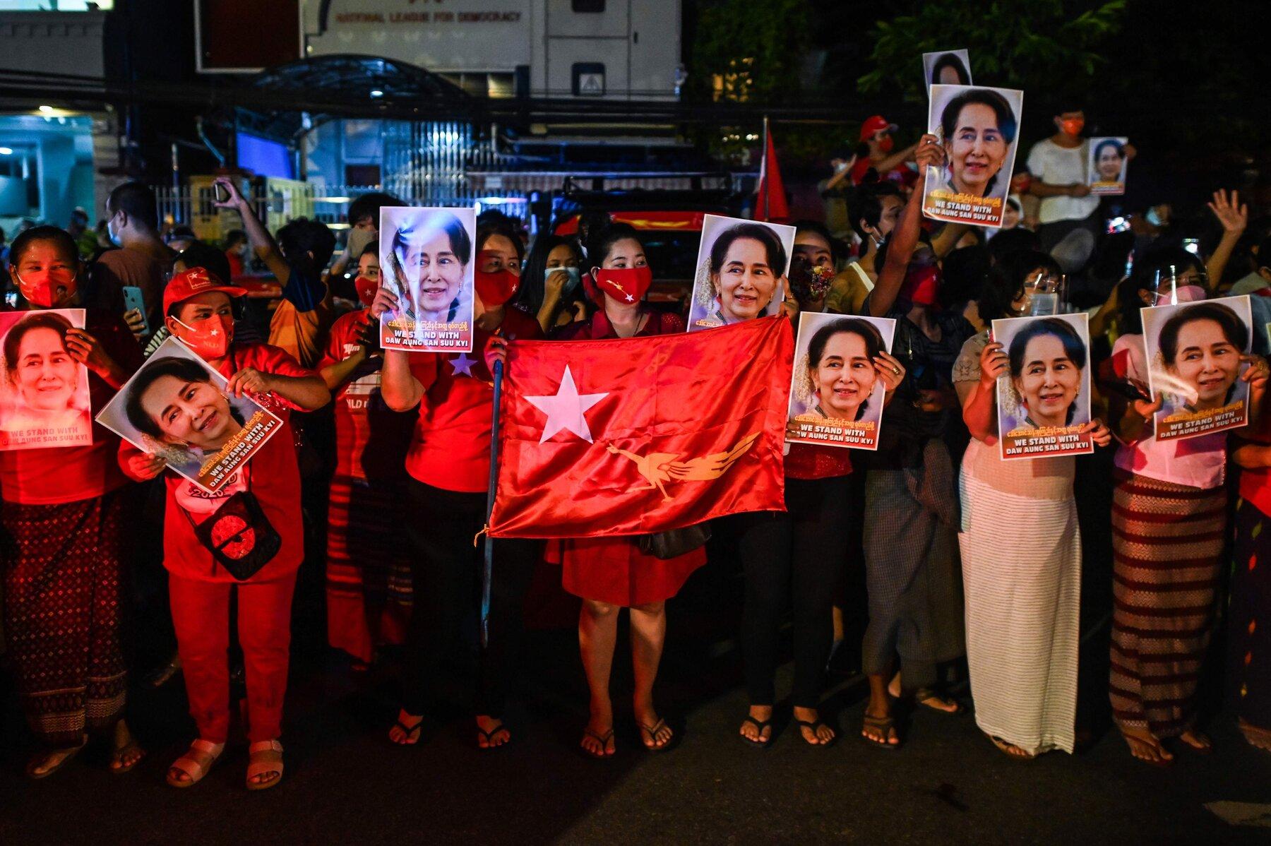 遭罢黜的缅甸领导人翁山苏姬24日将首都出庭