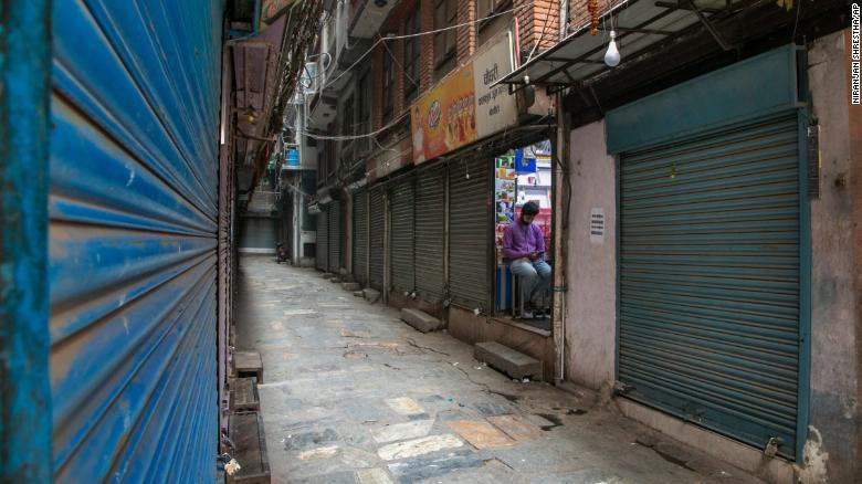 尼泊尔的疫情状况开始看起来像印度