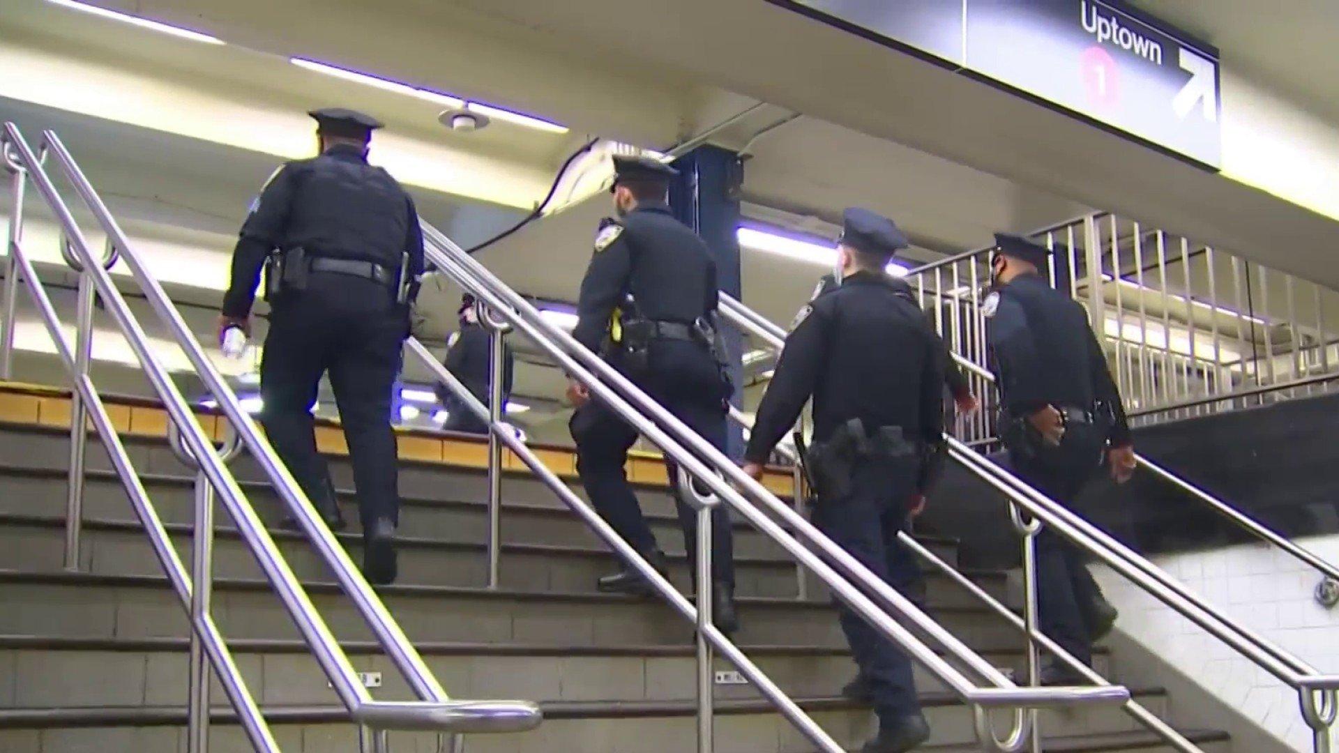 纽约地铁1小时内曝5起恶性袭击