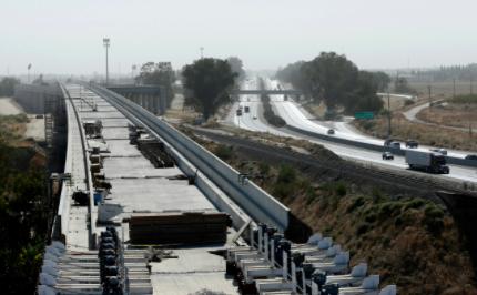 加州州长提议增加110亿美元交通改善费用,加大高铁设施建设