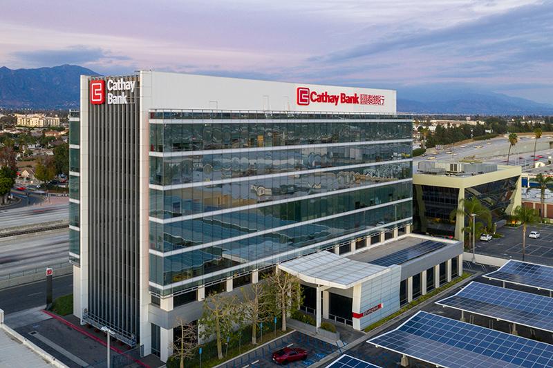 国泰银行将收购美国汇丰银行10家分行, 及其在西岸的部分贷款及存款
