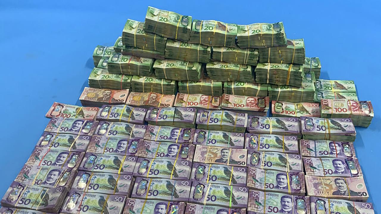 4000员警联手破获国际犯罪组织4800万美元赃款及8吨古柯碱!