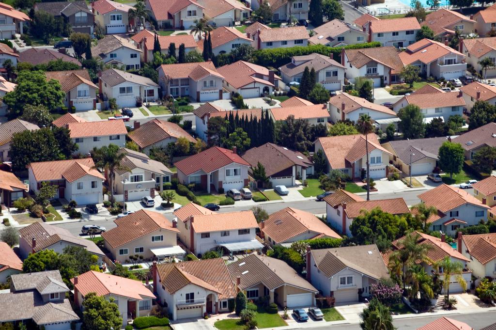 洛杉矶县4月份房价中位达75万美元,创历史新高