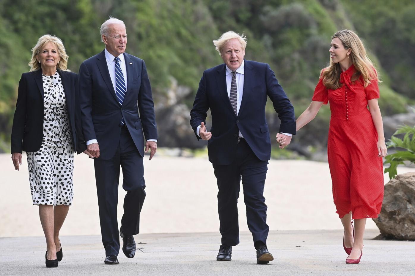 拜登G7峰会前与英国首相约翰逊会晤